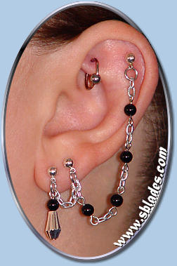 Double Pierced W Upper Stud Black Onyx