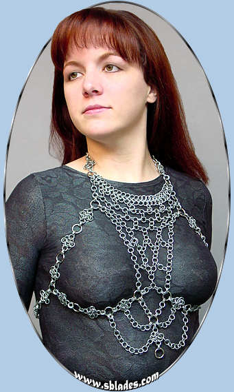 Silver-tone Hexmaile Chain Harness