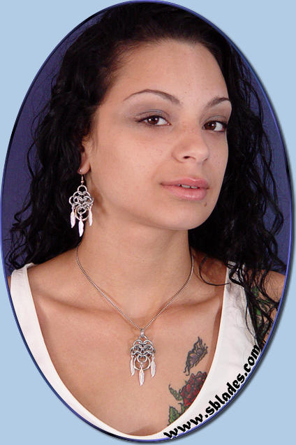 Dreamseeker Celtic necklace & earrings w/Silver-plated Feathers