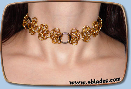 Steel-lace choker in brass